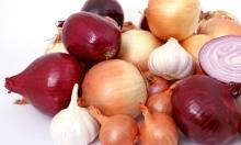 للوقاية من سرطان الثدي: تناولي البصل والثوم يوميًا