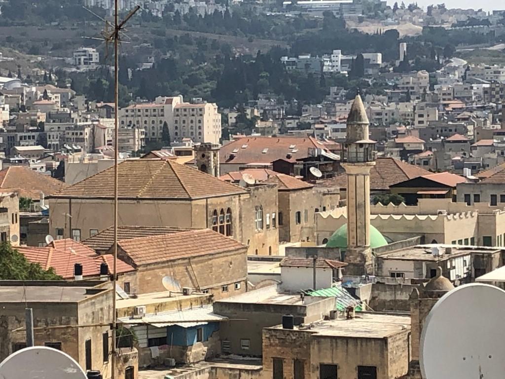 السوق كما يبدو من المنزل (عرب ٤٨)