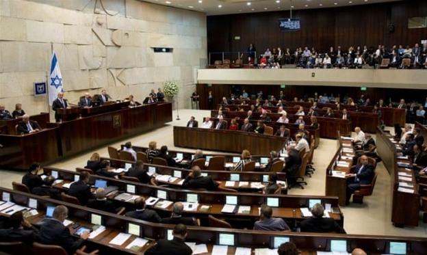الكنيست الـ22 تعقد جلستها الافتتاحية وطريق الائتلاف الحكومي مسدود