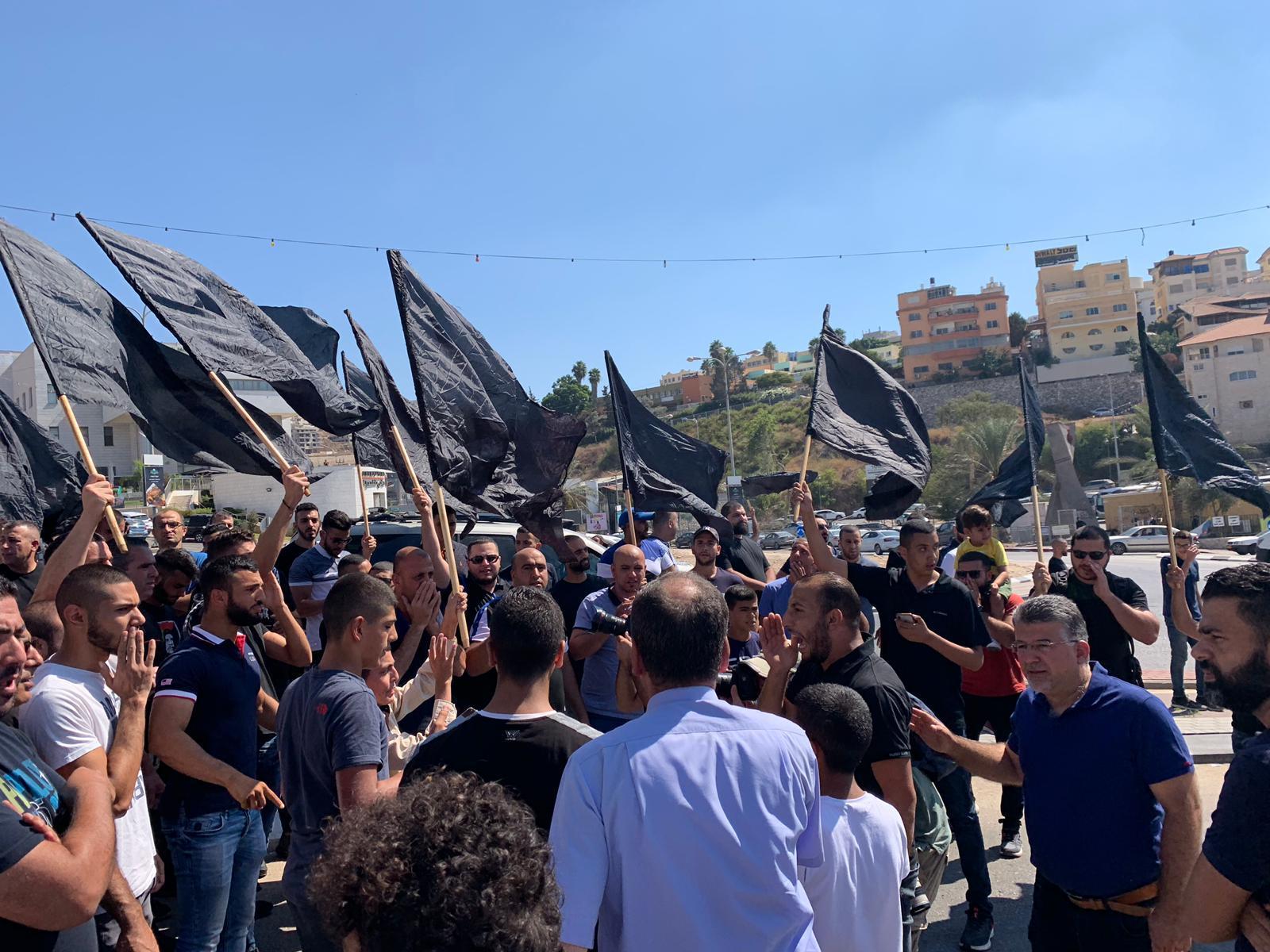 أم الفحم: مظاهرة احتجاج على الجريمة وتواطؤ الشرطة