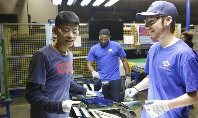أميركا: الصناعات تتعثّر والبيت الأبيض يُصرّ على متانة الاقتصاد