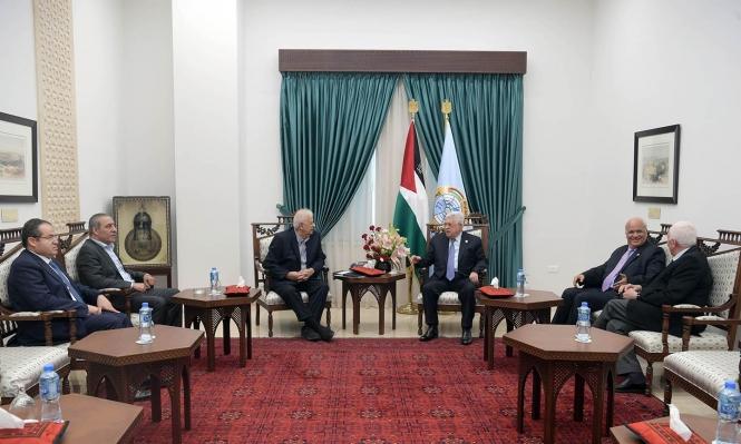 عباس يكلف رئيس لجنة الانتخابات ببدء التحضير لإجرائها