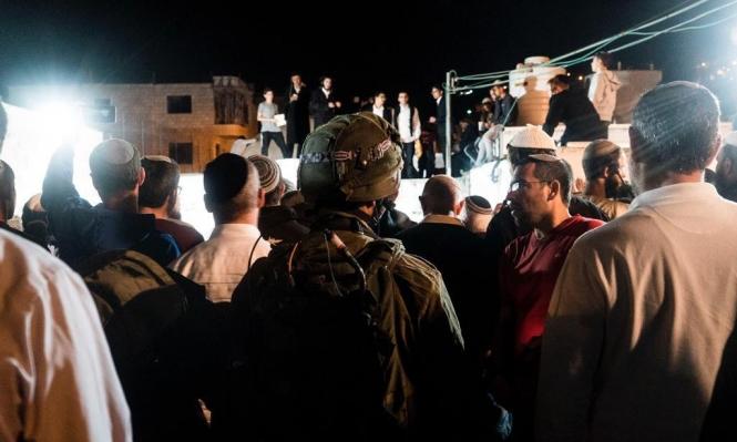 اعتقالات بالضفة ومئات المستوطنين يقتحمون قبر يوسف بنابلس
