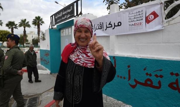 الانتخابات التونسية: سيناريوهات ضبابية للحكومة المقبلة