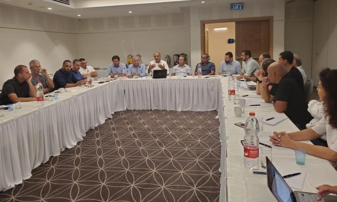 اللجنة القطرية تُقيم طاقما للهايتيك والصناعات المتقدمة بالمجتمع العربي