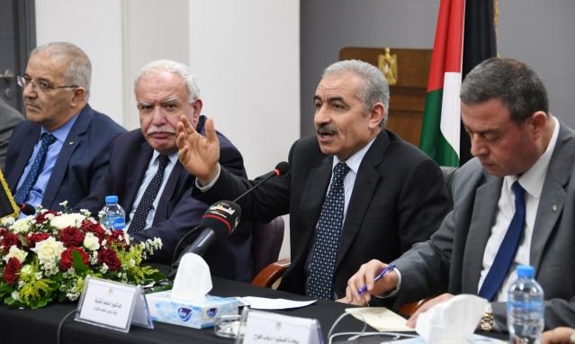 الحكومة الفلسطينية: نسعى لإحلال البضائع العربية محل المنتجات الإسرائيلية