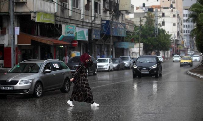 شوارع غزّة يبلّلها المطر