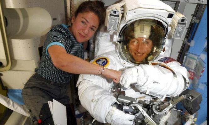 ناسا تقدم موعد رحلة فضائية نسائية لإصلاح عطل