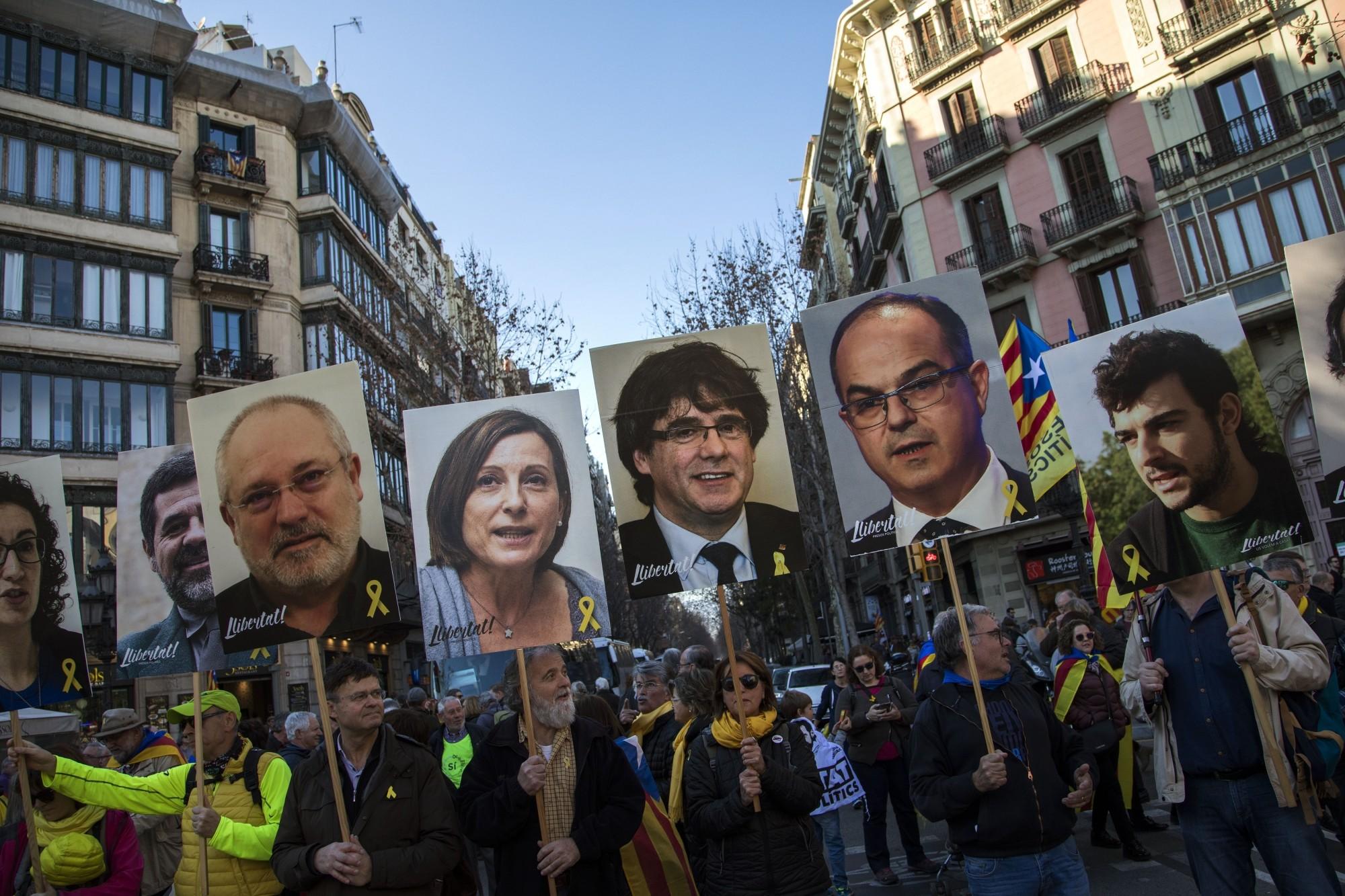 القادة الكتاليونيون المحاكمون (أ ب)
