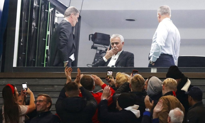 """مورينيو في """"أولد ترافورد"""": هل يعود لتدريب مانشستر يونايتد؟"""
