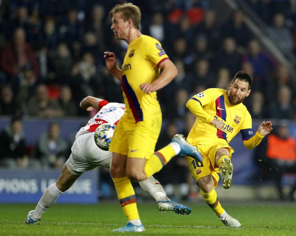 برشلونة يتخطى سلافيا براغ بهدفين مقابل هدف