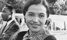 """في ذكرى رحيلها: من هي """"أيقونة مقاومة العنصرية"""" روزا باركس؟"""