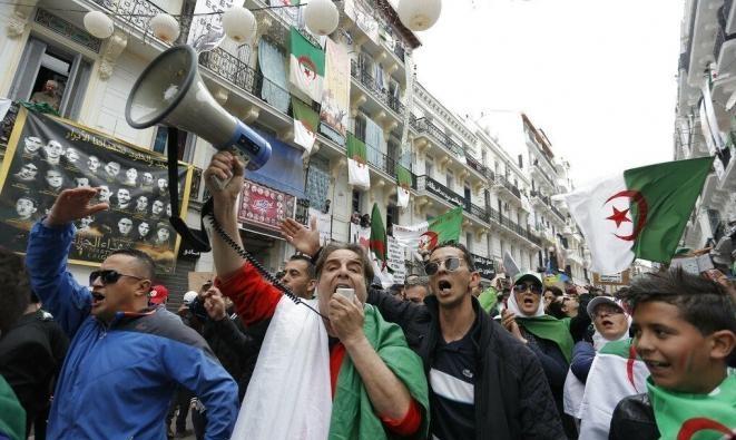 الجزائر: 22 مترشحا قدموا ملفاتهم للانتخابات الرئاسية