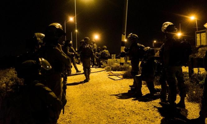 اعتقال 22 فلسطينيا بالضفة ومستوطنون يقتحمون كفل حارس