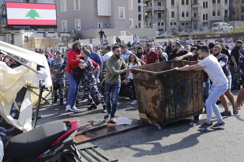 الانتفاضة اللبنانية.. نحو إسقاط الطبقة السياسية الحاكمة بأكملها