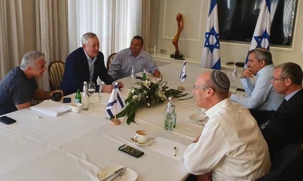 لا تقدم بالمفاوضات الائتلافية: ليبرمان يرفض حكومة أقلية