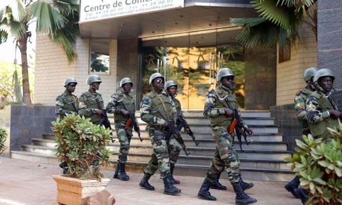 """مقتل 54 جنديا بهجوم مسلح لـ""""داعش"""" في مالي"""
