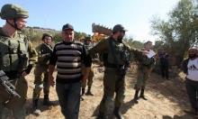 الاحتلال يصادر 130 دونما بالخليل ومستوطنون يسرقون الزيتون بنابلس