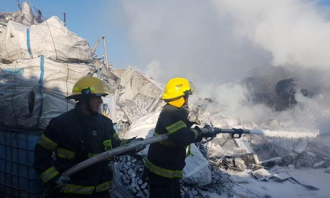 عكا: حريق هائل في معمل للخردوات