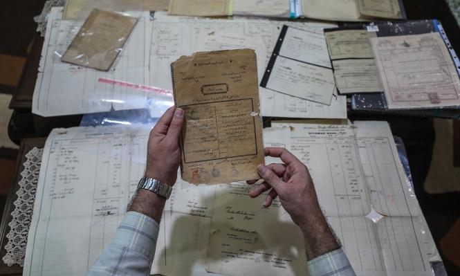 """باحث فلسطيني يجمع """"ثروة"""" من الوثائق العثمانيّة القديمة"""