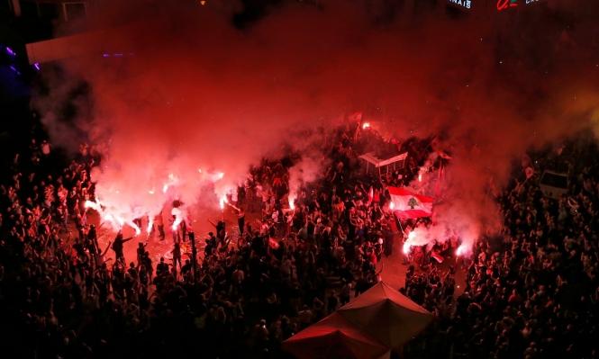 الساحات اللبنانية تمتلئ بالمحتجين ليلا