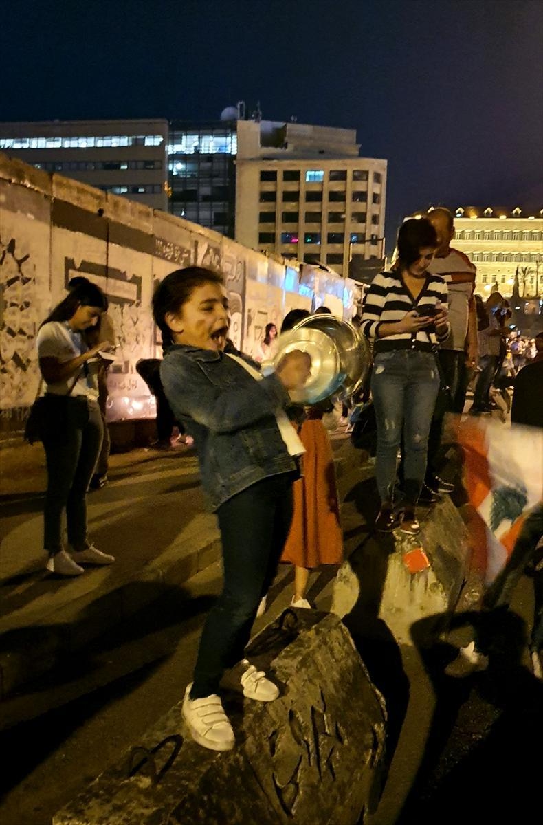 اللبنانيون يقرعون الطناجر دعما للانتفاضة.. ولا جديد سياسيًا