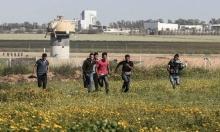 شبان يعبرون بوابة بسياج الاحتلال شرق خانيونس ويستولون على معدات عسكرية
