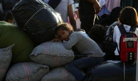 سورية: عودة 365 ألف لاجئ لديارهم وبقاءُ جنود أميركيين بالبلاد
