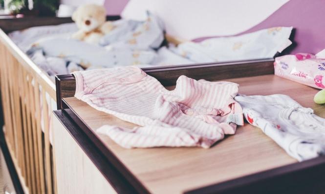 الأسرة الهزازة تشكل خطرا على الأطفال الرضع
