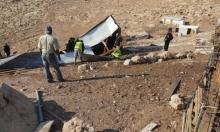 إخطارات بمصادرة أراض وتواصل اعتداءات المستوطنين بالضفة