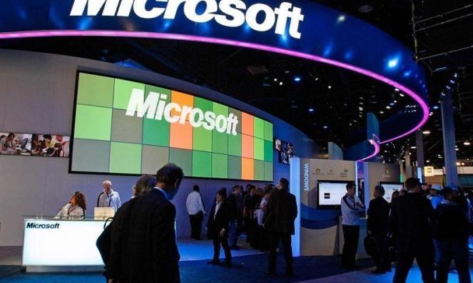 """""""أمازون"""" تعترض وأسبر يعتبر اختيار """"مايكروسوفت"""" لعققد البنتاغون """"عادلا"""""""