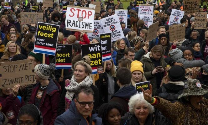 هولندا: طلاء الوجوه بالأسود يثير احتجاجات مناهضة للعنصرية