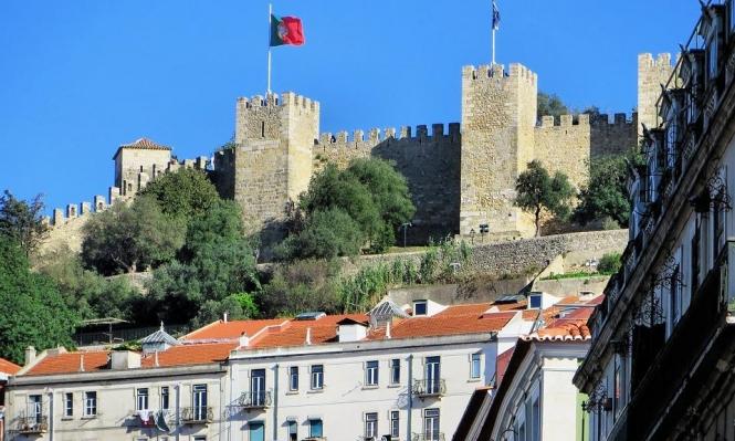 عشرات آلاف الإسرائيليين يسعون لجواز سفر برتغالي