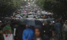"""الجزائر: """"لا طموح سياسي للجيش""""... ورفض شعبي للانتخابات"""