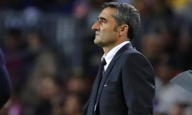 مدرب برشلونة على الانتقادات ضد غريزمان وبيكيه