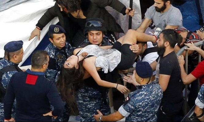 لبنان: اعتداء أنصار حركة أمل وحزب الله على المتظاهرين