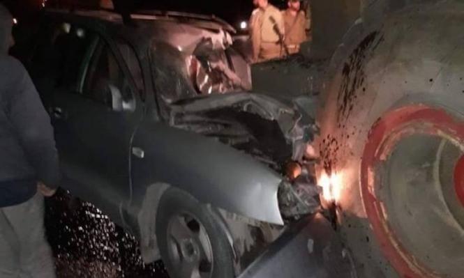 الخليل: مصرع شخص وإصابة ابنه باصطدام سيارة بجرافة عسكرية