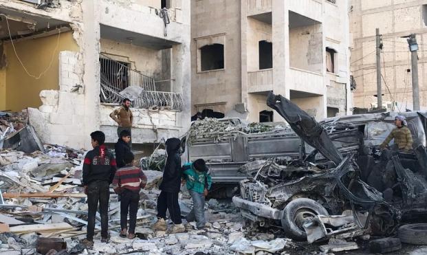 إدلب: مقتل مدنيين في قصف جوي  و70 مقاتلا في اشتباكات