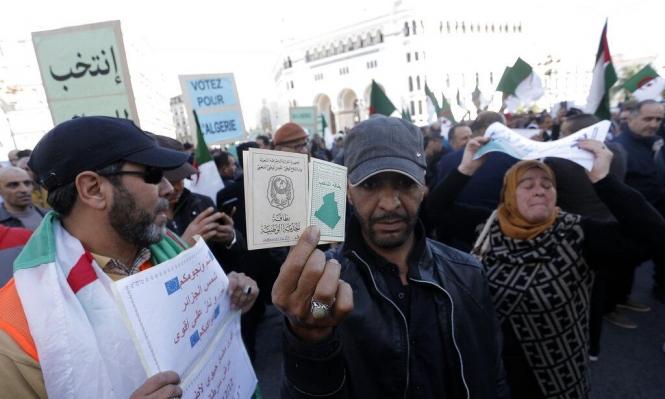 الجزائر: ناشطون يواجهون المرشحين الرئاسيين بتقنية الـVAR