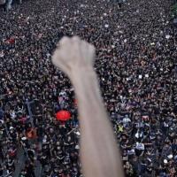 2019: شعوب تتحدى أنظمتها من الصين حتى لبنان