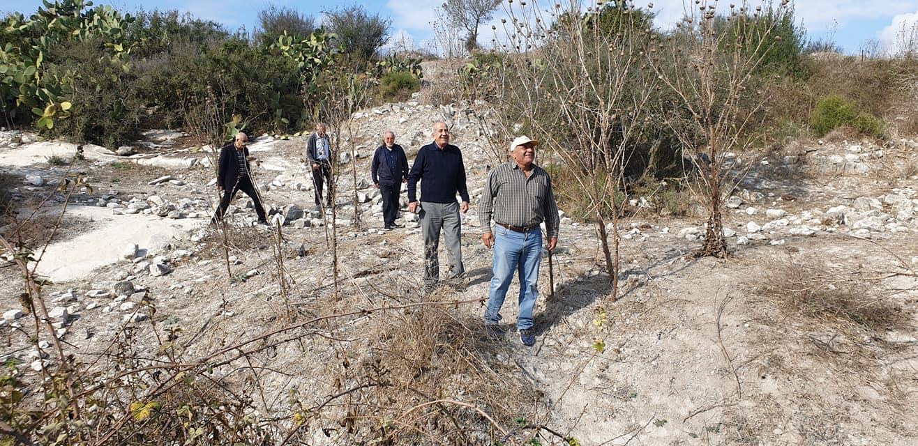 اعتداء على مقبرة قرية صبارين المهجرة