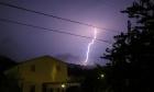 إصابة حرجة بصاعقة برق شمالي البلاد