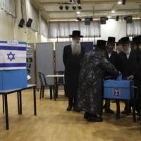 """خلاف بين الليكود و""""كاحول لافان"""" حول موعد الانتخابات الثالثة"""