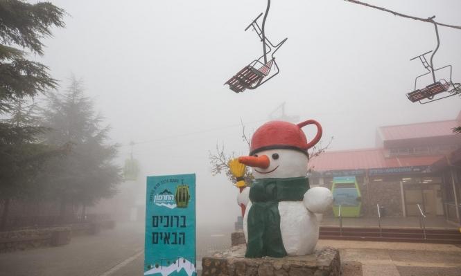 تساقط الثلوج على قمم جبل الشيخ