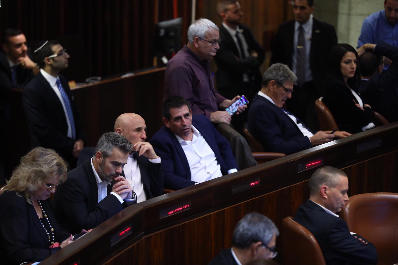 """انتخابات ثالثة في آذار: """"فرصة نتنياهو الأخيرة"""""""