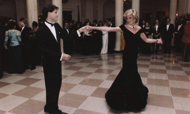 أكثر من 280 ألف دولار ثمنا لفستان ارتدته الأميرة ديانا!