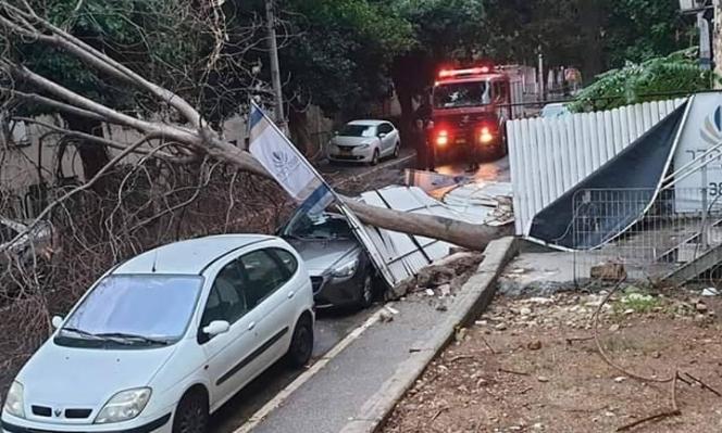 أضرار جسيمة بسبب الرياح والأمطار الغزيرة في البلاد
