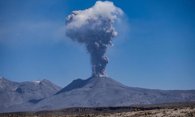 17 قتيلًا من السائحين إثر انفجار بركان في نيوزلاندا