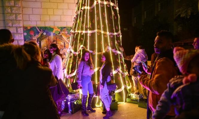 غزّة والقدس تضيئان شجرة عيد الميلاد
