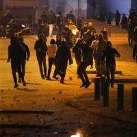 """اشتباكات في بيروت: رفض لعودة الحريري ولحكومة """"تكنو سياسية"""""""